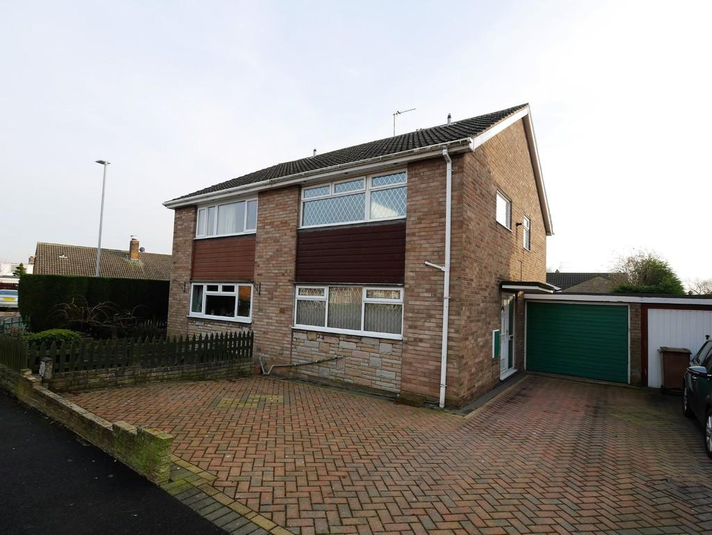 3 Bedrooms Semi Detached House for sale in 4 Westbrook Crescent Gilberdyke