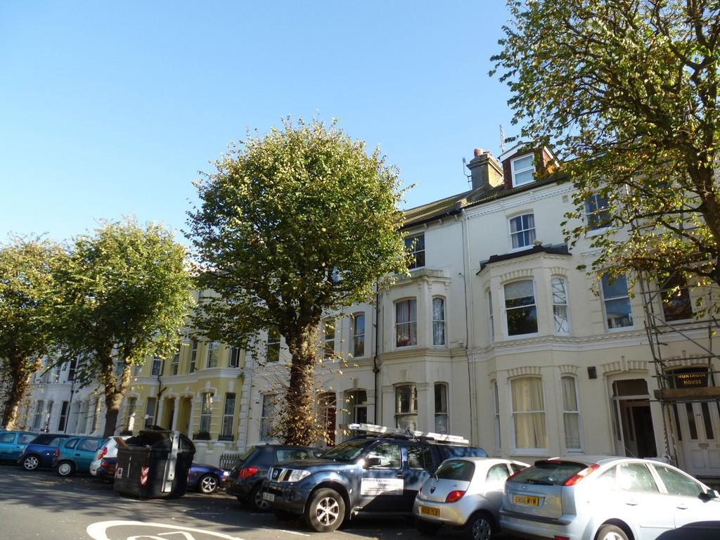 1 Bedroom Flat for sale in Tisbury Road, Hove