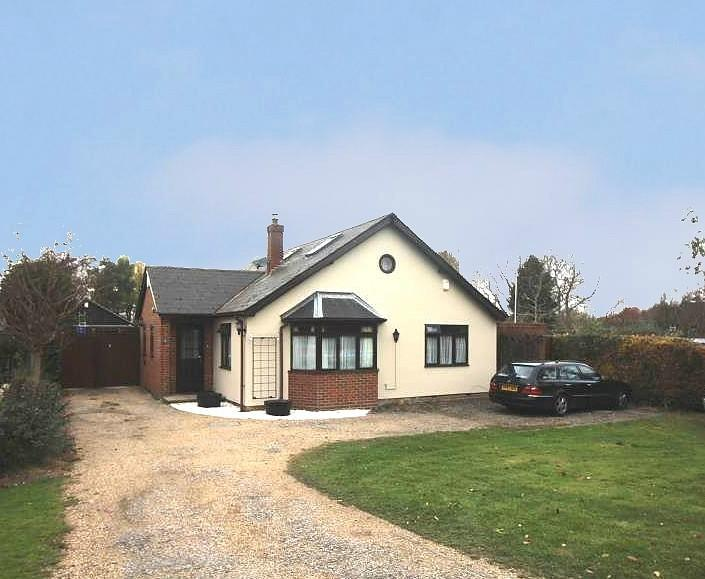 4 Bedrooms Chalet House for sale in Seven Star Green, Eight Ash Green, Colchester, Essex, CO6