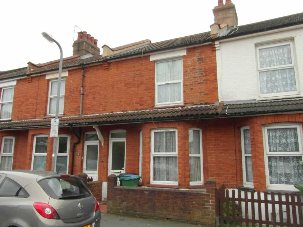 3 Bedrooms Terraced House for sale in Pretoria Road, Watford