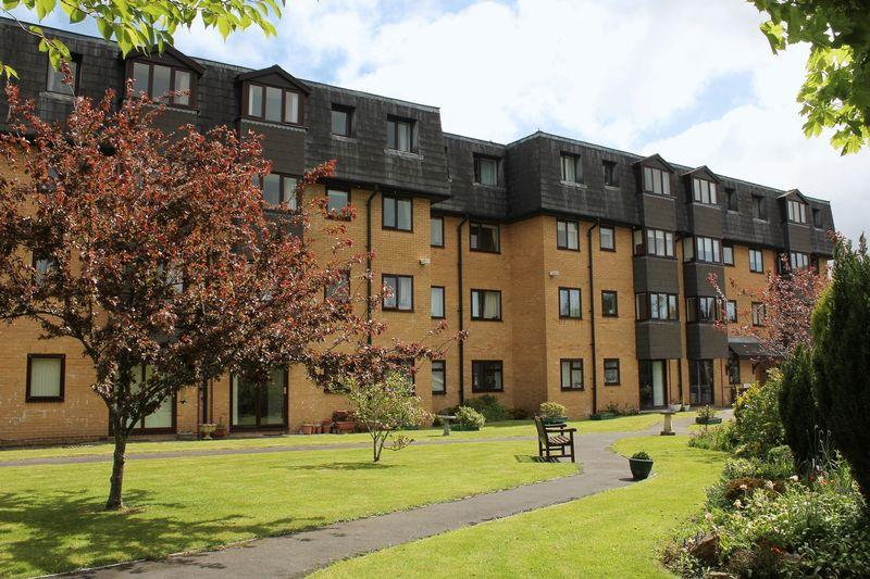 1 Bedroom Retirement Property for sale in Westwood Court, Stanwell Road, Penarth