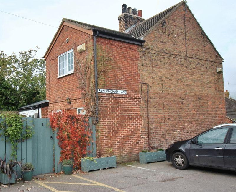 2 Bedrooms Semi Detached House for sale in Sandringham Lane, Skirlaugh