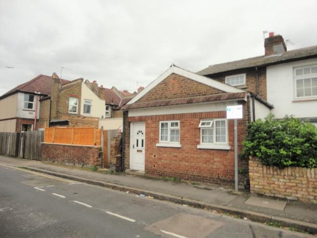 3 Bedrooms Cottage House for sale in Holly Road, Hounslow, TW3