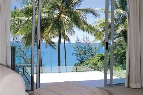 3 bedroom apartment  - 47 Williams Esplanade, PALM COVE, QLD 4879