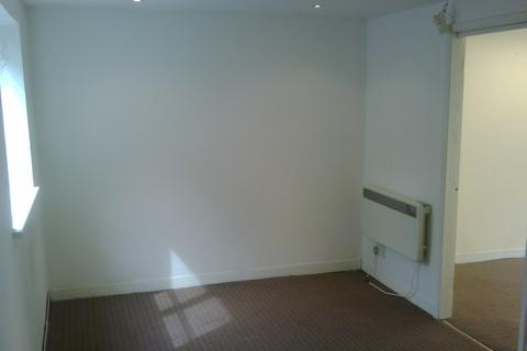 Office to rent - woodlands road, ilford IG1