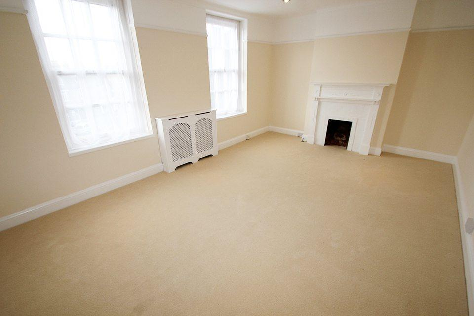 4 Bedrooms Flat for sale in The Green, Winchmore Hill, N21