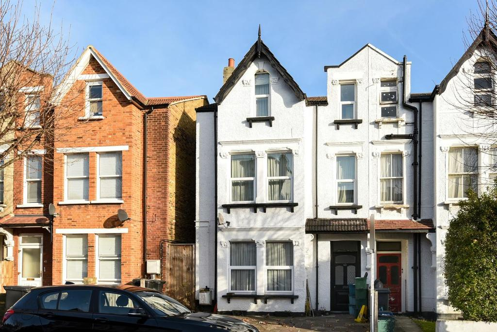 4 Bedrooms Flat for sale in Whitworth Road, South Norwood, SE25