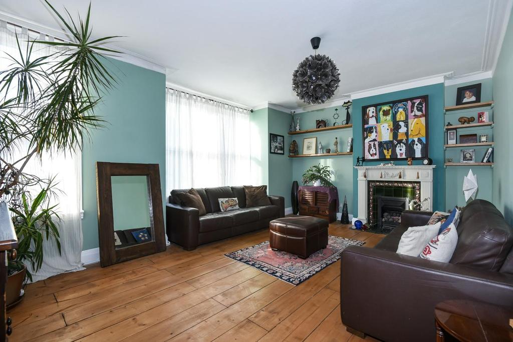 4 Bedrooms Flat for sale in Whitworth Road, South Norwood
