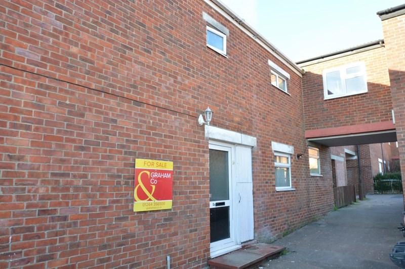 4 Bedrooms Terraced House for sale in Spey Court, Andover