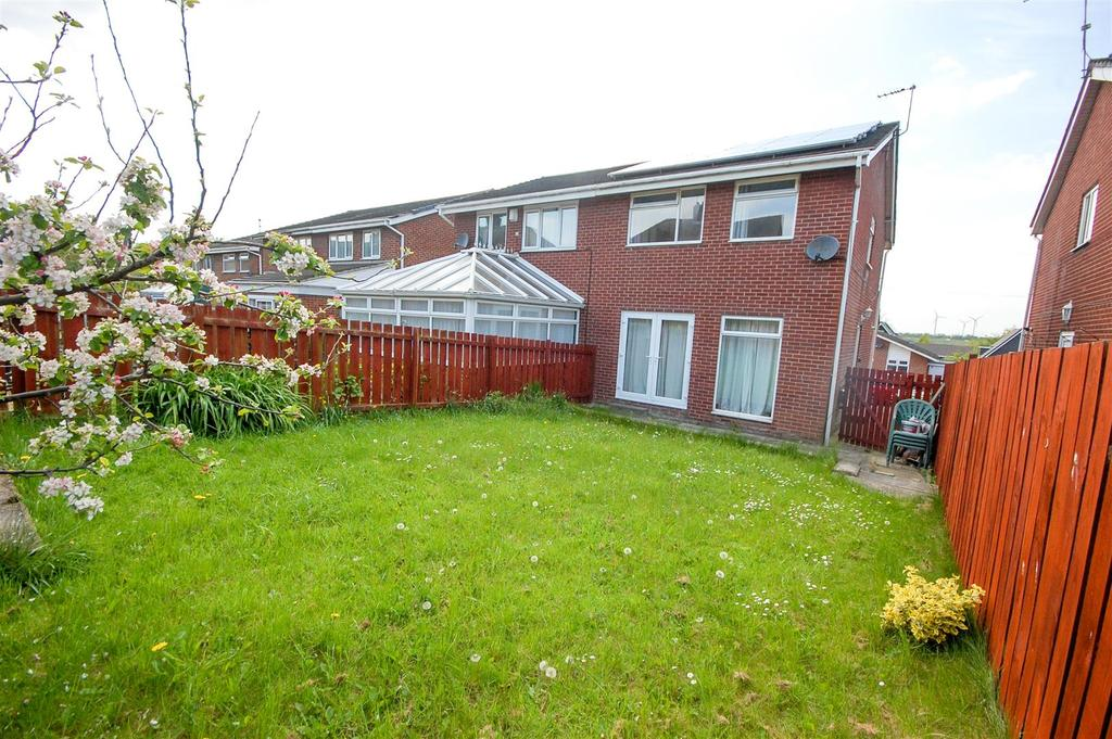 3 Bedrooms Semi Detached House for sale in Mayfield Road, South Hylton, Sunderland