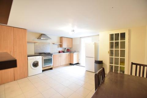3 bedroom flat to rent - READING, BERKSHIRE