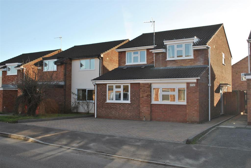 4 Bedrooms Detached House for sale in Bartlett Close, Taunton