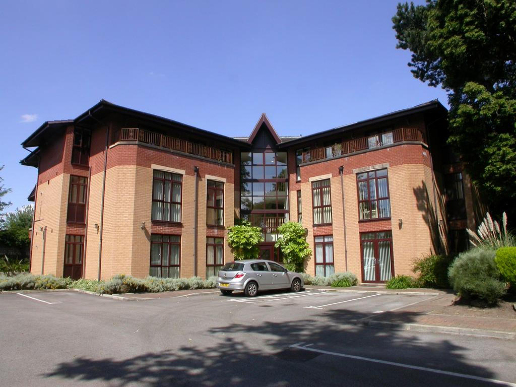 2 Bedrooms Apartment Flat for sale in CHEADLE HULME (MOSELEY ROAD)