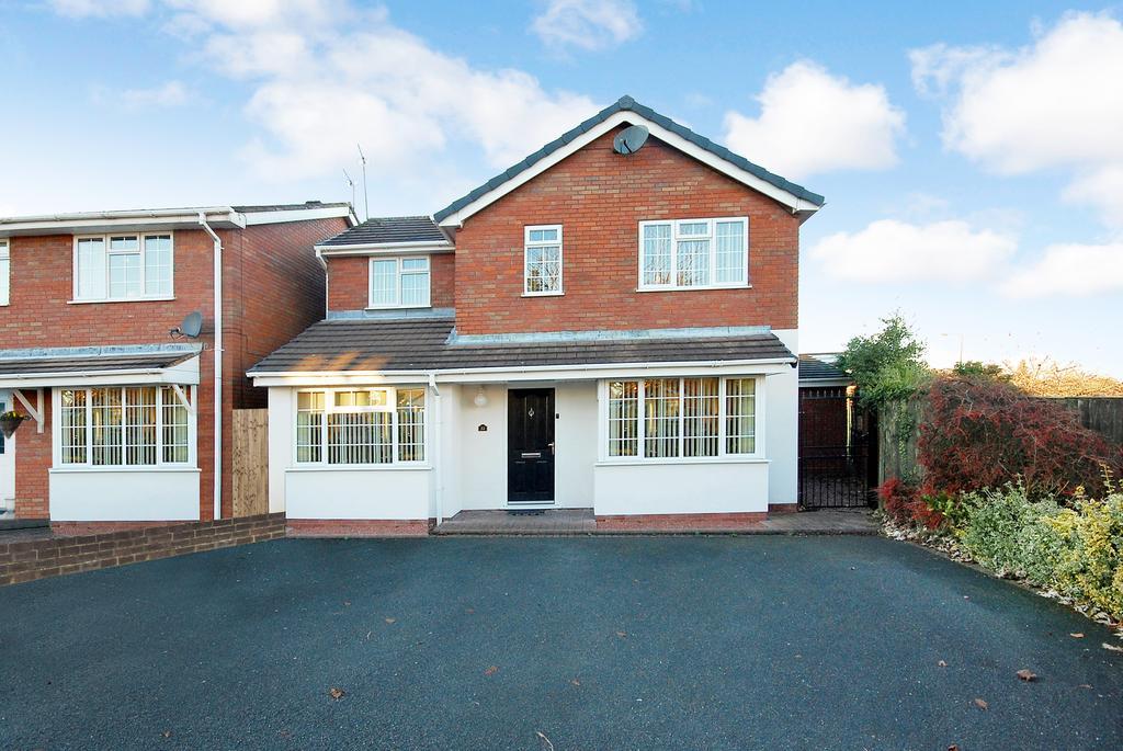 4 Bedrooms Detached House for sale in Wren Avenue, Perton, Wolverhampton WV6