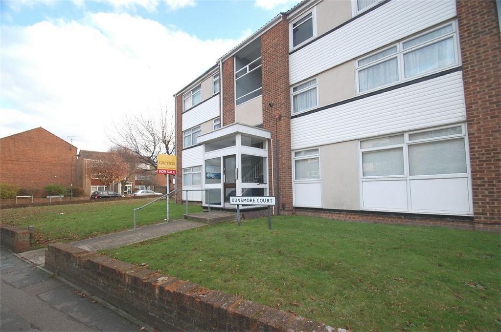 2 Bedrooms Flat for sale in Wakeley Road, Rainham, Gillingham, Kent