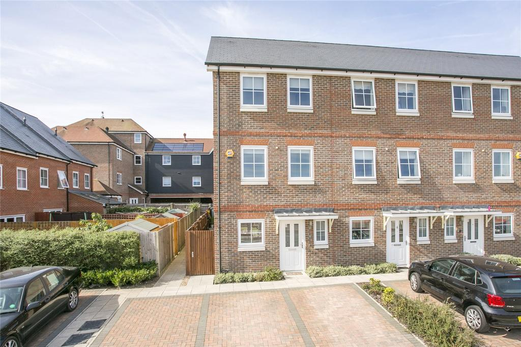4 Bedrooms End Of Terrace House for sale in Campion Square, Dunton Green, Sevenoaks, Kent, TN14