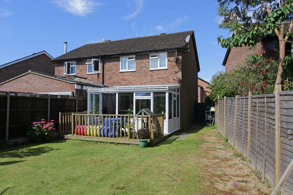 3 Bedrooms Semi Detached House for sale in Crockford Close, New Milton