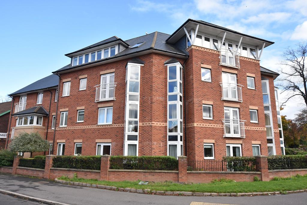 2 Bedrooms Ground Flat for sale in Strawberry Court, Ashbrooke
