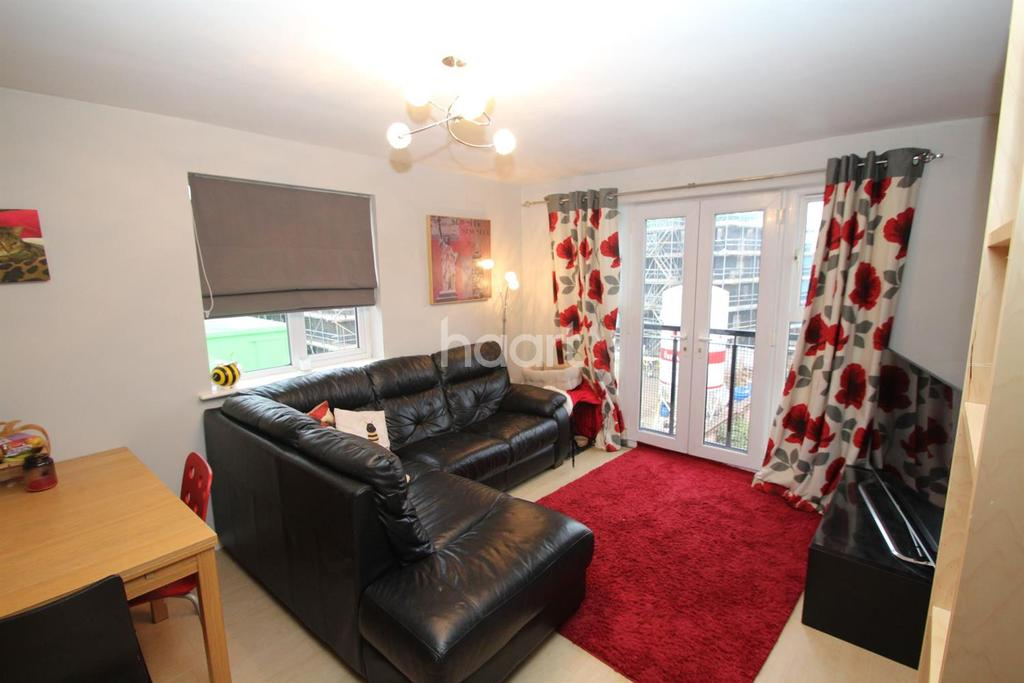 2 Bedrooms Flat for sale in Barnsdale Close, Loughborough