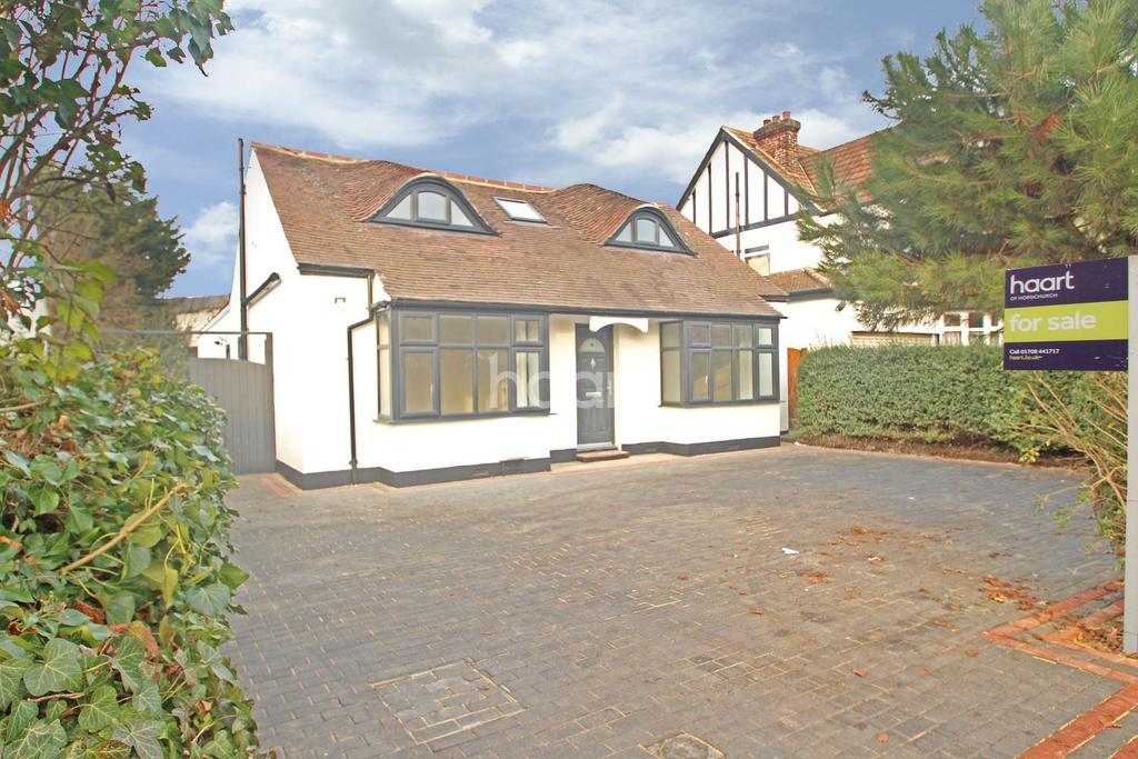 4 Bedrooms Detached House for sale in Ardleigh Green Road
