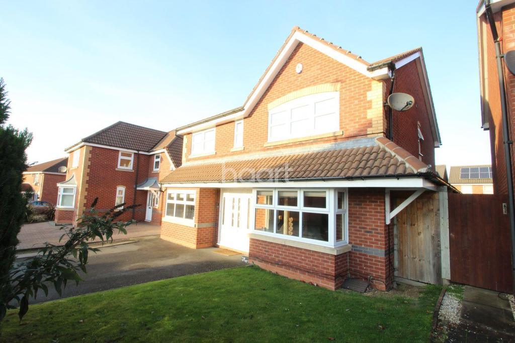 4 Bedrooms Detached House for sale in Coltsfoot Road, Hamilton, Leicester