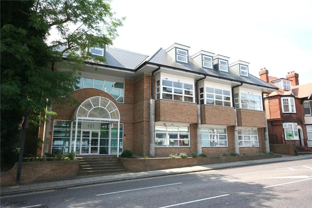 2 Bedrooms Flat for sale in Keystone House, London Road, St. Albans, Hertfordshire