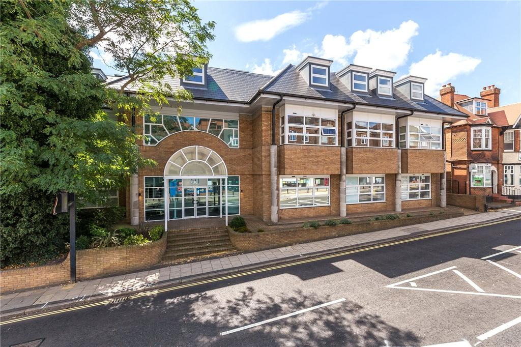 2 Bedrooms Flat for sale in Keystone House, St. Albans, Hertfordshire