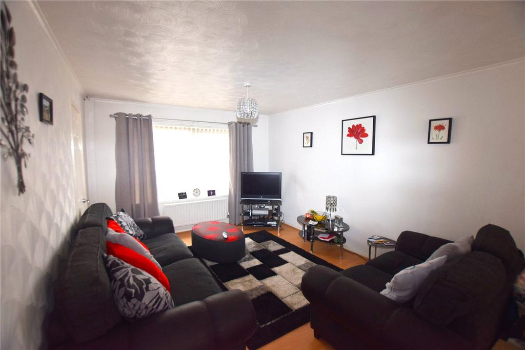3 Bedrooms Terraced House for sale in Gaitskell Walk, Leeds, West Yorkshire, LS11