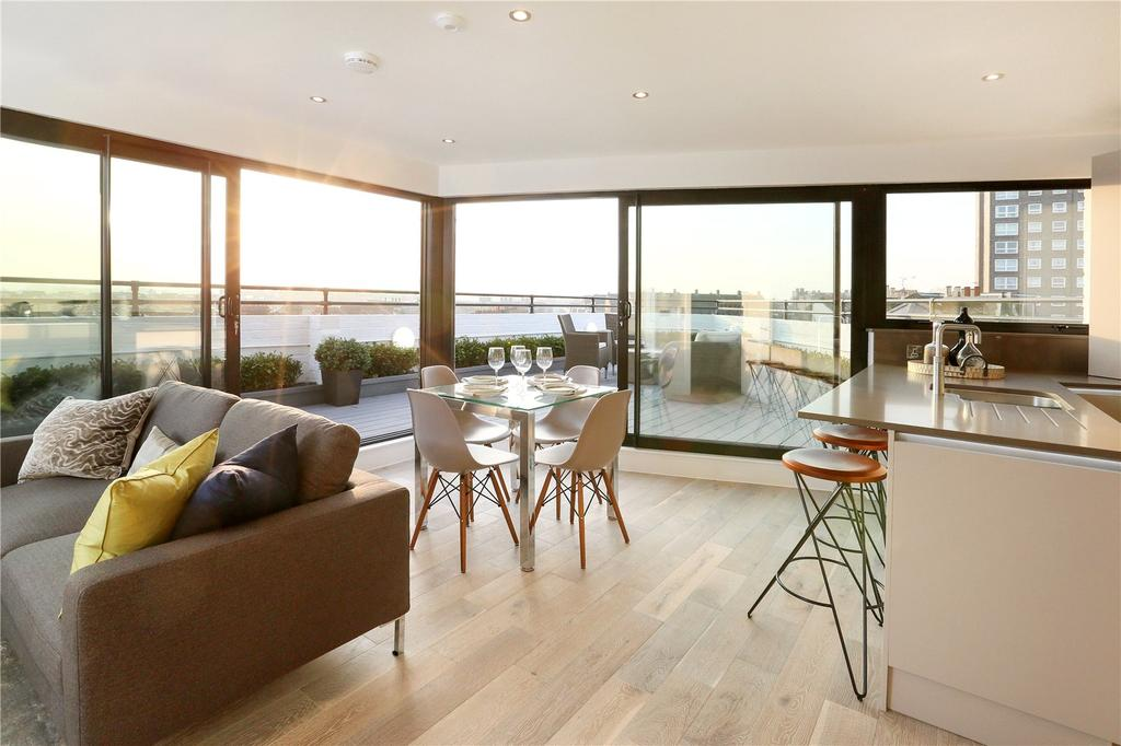 3 Bedrooms Penthouse Flat for sale in Dawes Road, Fulham Broadway, London, SW6