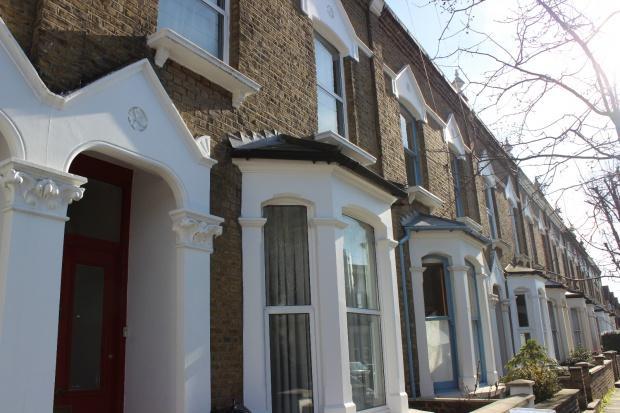 4 Bedrooms Terraced House for sale in Wedmore Gardens, London, N19