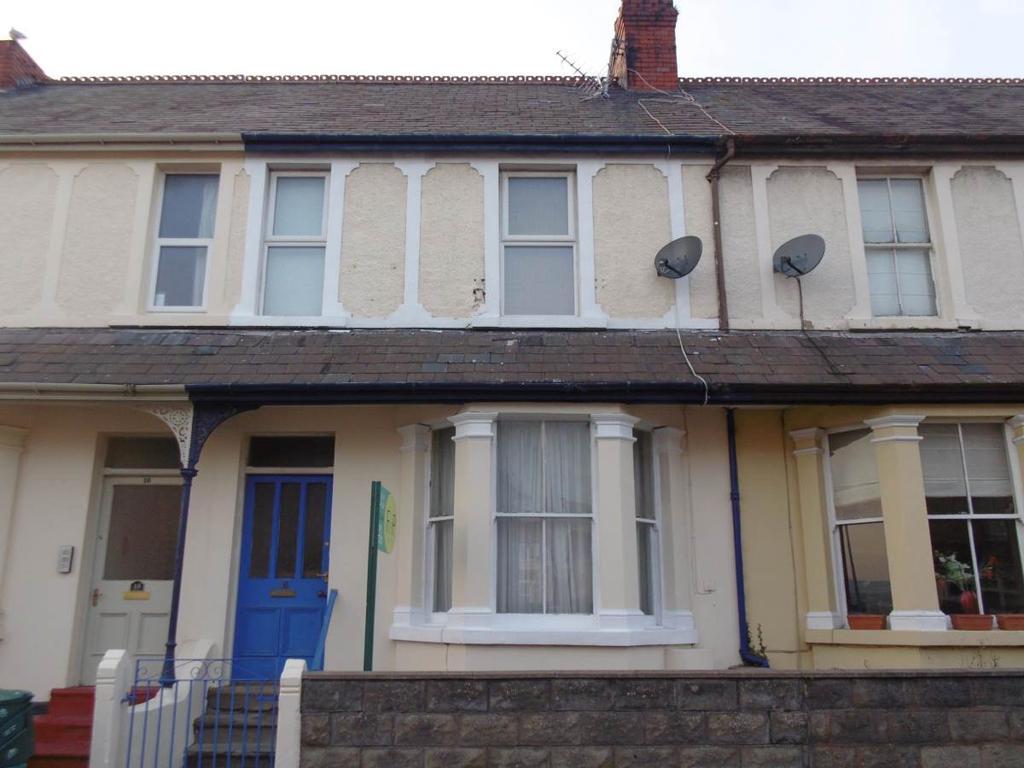 4 Bedrooms Terraced House for sale in 16 Queens Road, Llandudno Junction, LL31 9AA