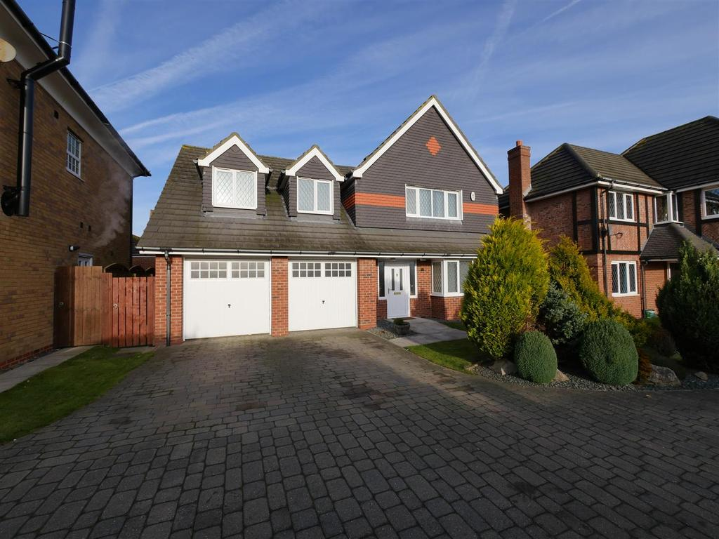 4 Bedrooms Detached House for sale in Fulbroke Close, Sunderland