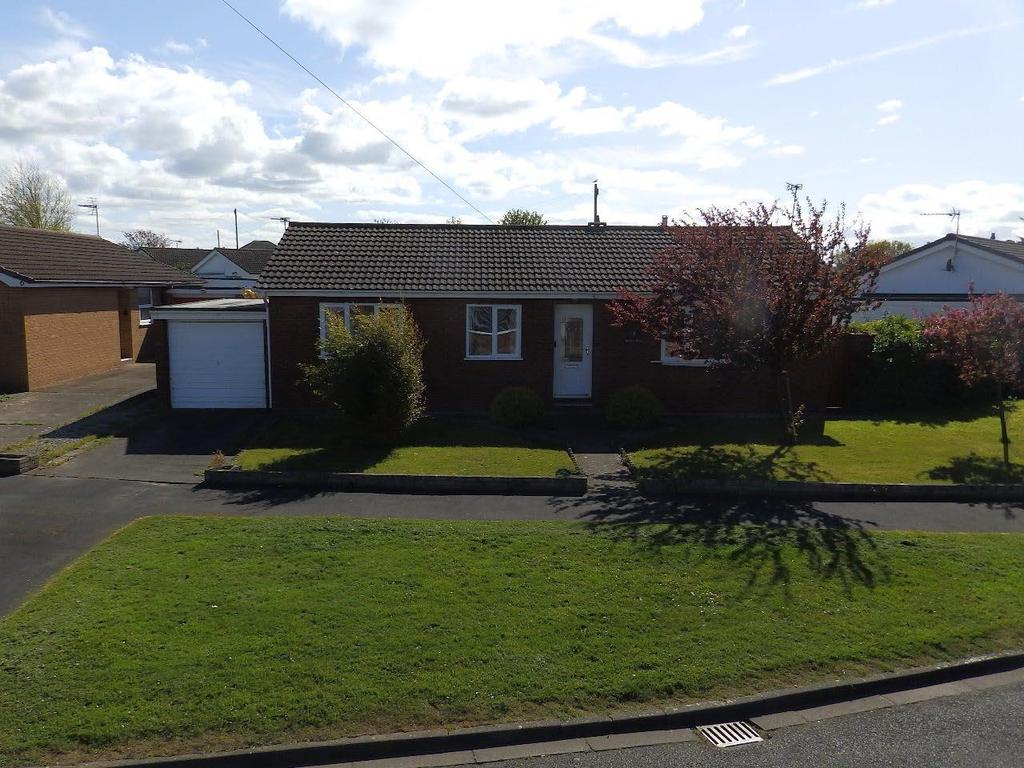 3 Bedrooms Detached Bungalow for sale in Maple Avenue, Rhyl