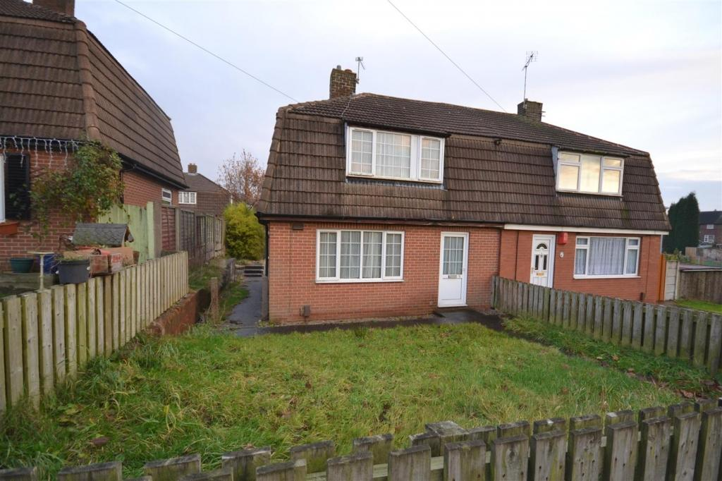 3 Bedrooms Semi Detached House for sale in Boxwood Place, Chesterton, Newcastle