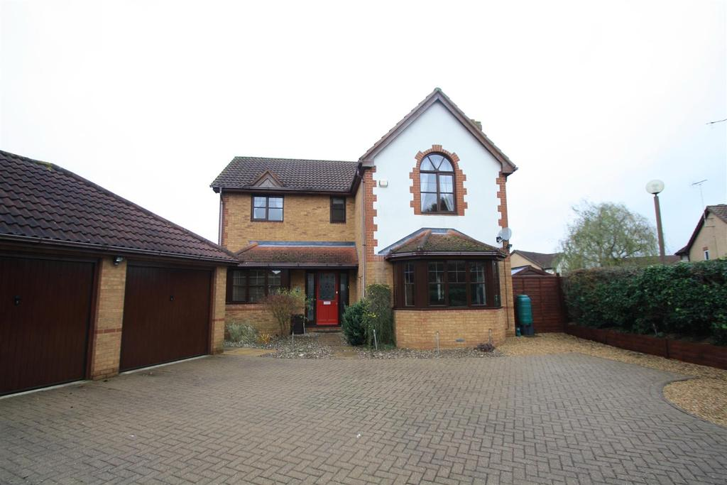 4 Bedrooms Detached House for sale in Pinfold, Walnut Tree, Milton Keynes
