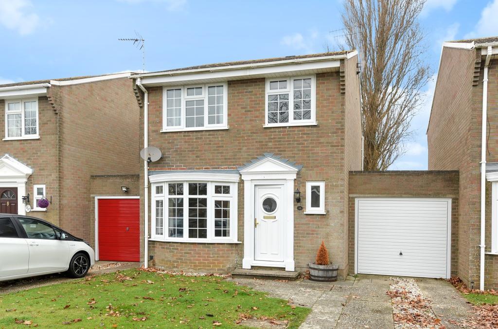 3 Bedrooms Detached House for sale in Pinehurst Park, Aldwick, Bognor Regis, PO21