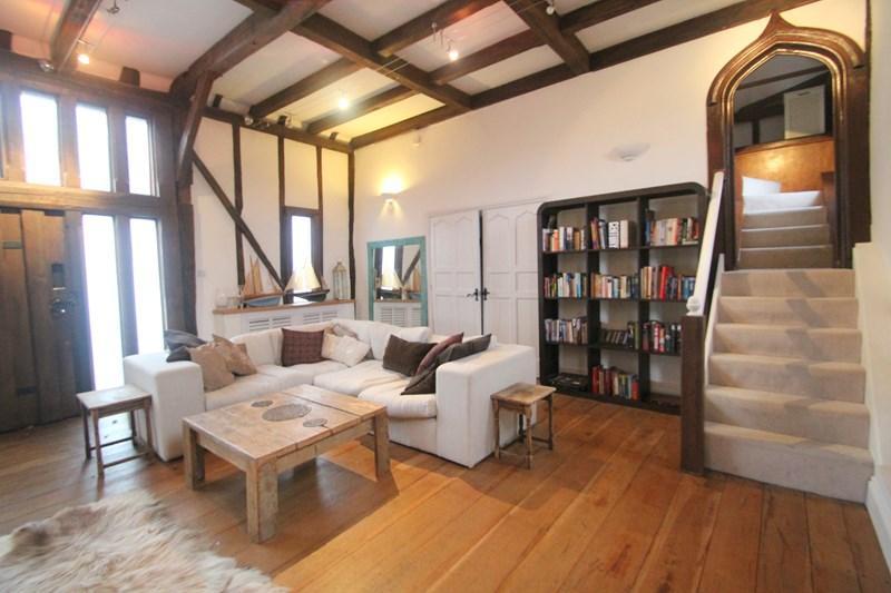 2 Bedrooms Barn Conversion Character Property for sale in Swanwick Shore Road, Bursledon, SOUTHAMPTON