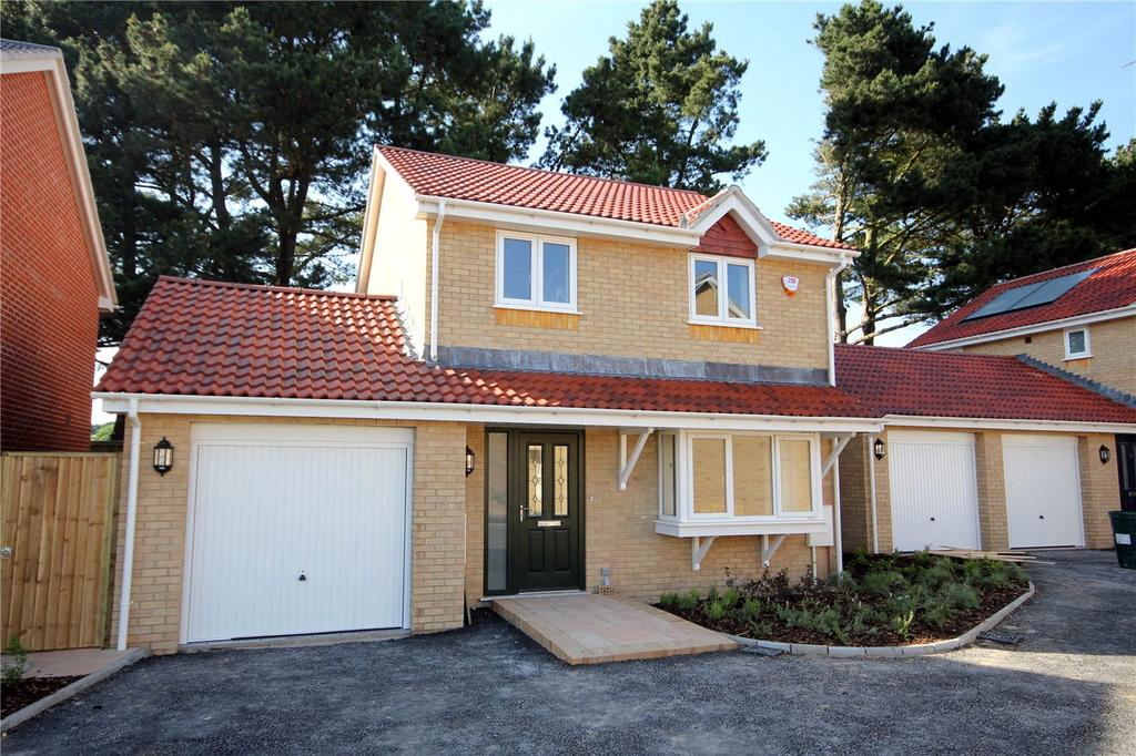 3 Bedrooms Detached House for sale in Larkspur Close, Hoburne Farm, Highcliffe-On-Sea, Dorset, BH23