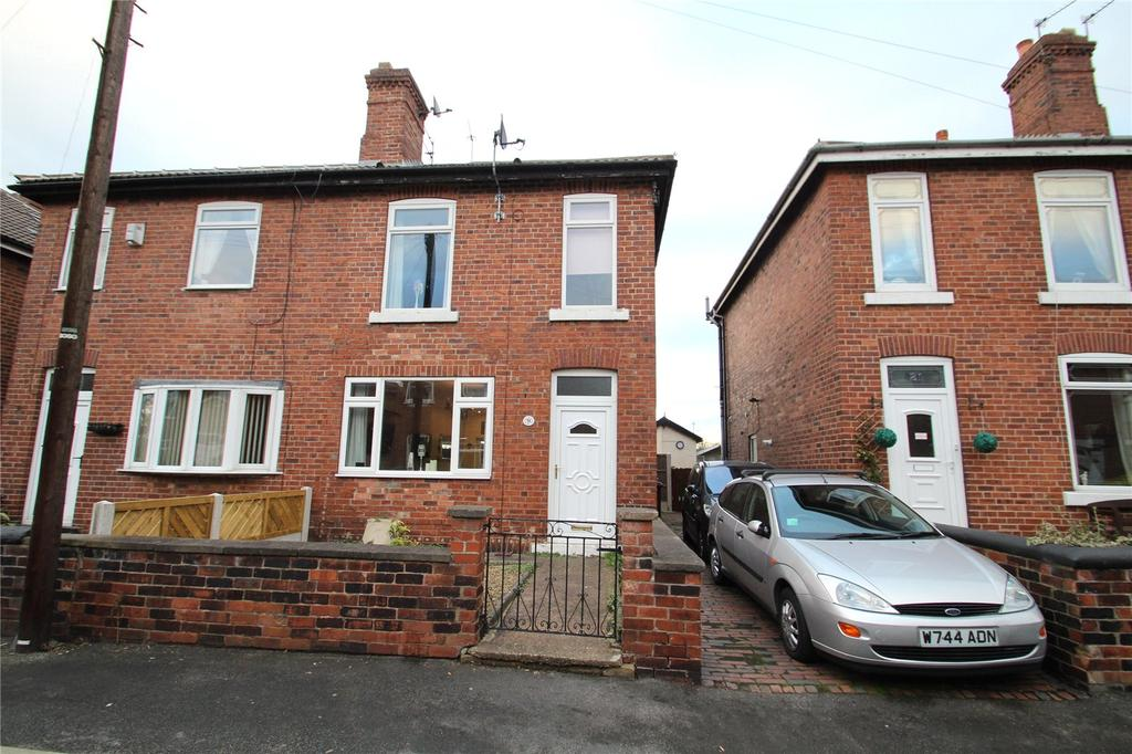 3 Bedrooms Semi Detached House for sale in Queen Street, Castleford, WF10