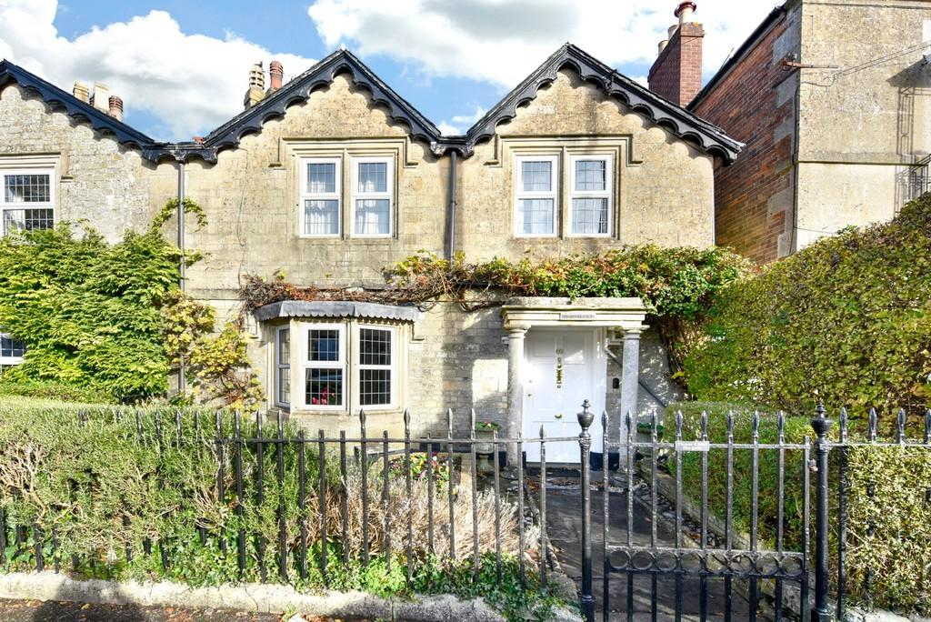 3 Bedrooms Semi Detached House for sale in East Street, Warminster