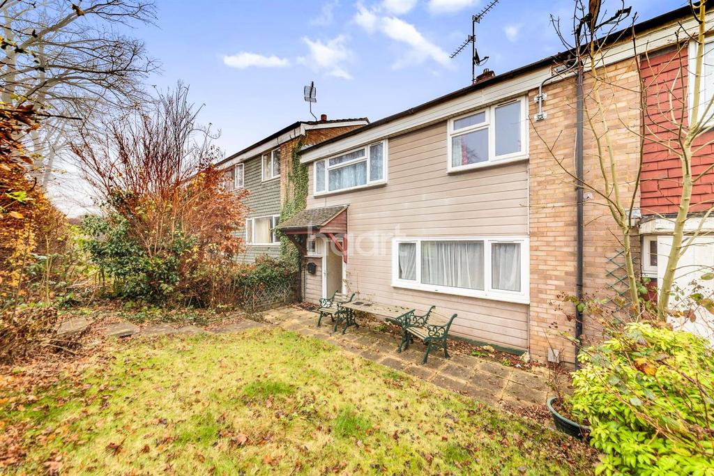 3 Bedrooms Terraced House for sale in Vardon Road, Pin Green, Stevenage