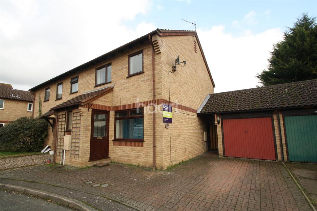 3 Bedrooms Semi Detached House for sale in Thyme Close, Thetford
