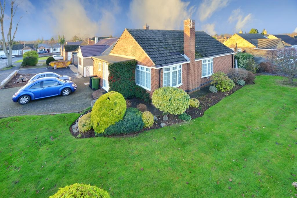 3 Bedrooms Detached Bungalow for sale in Blackthorn Road, Kenilworth