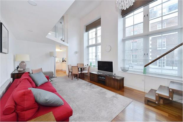 3 Bedrooms Apartment Flat for sale in Picton Place, Marleybone, W1U