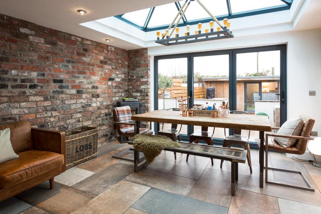 5 Bedrooms Terraced House for sale in Garfield Terrace, York
