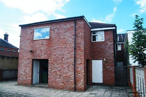 2 bedroom flat to rent - Portswood