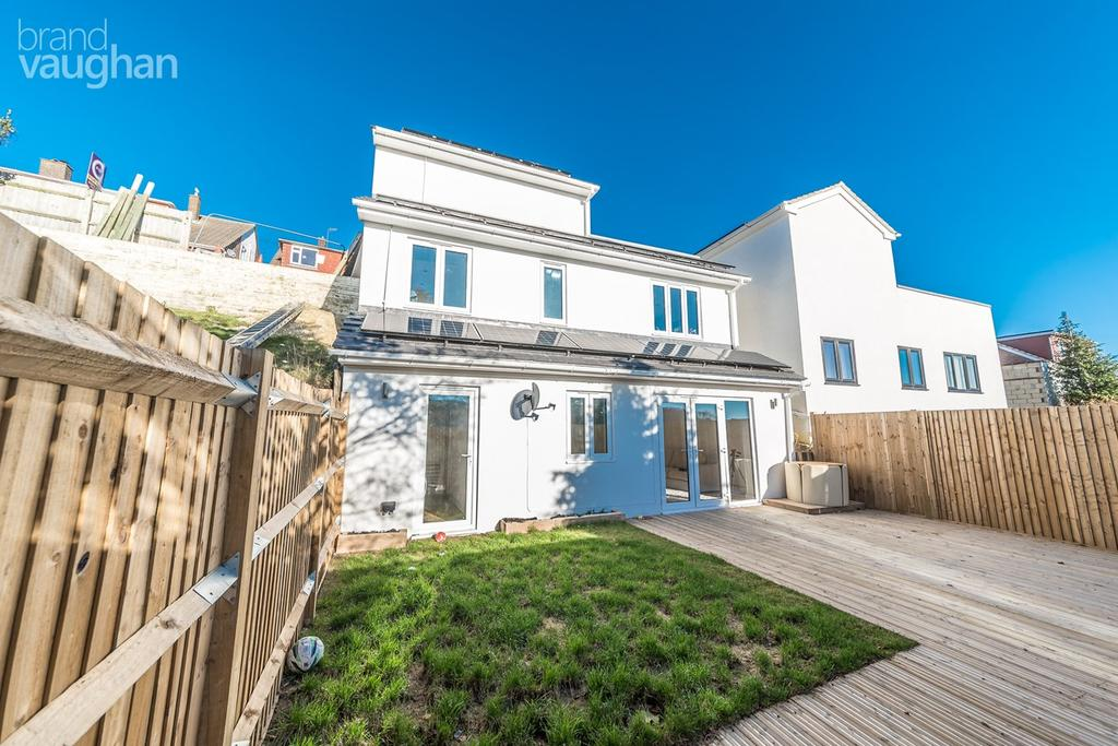 3 Bedrooms Detached House for sale in Highbank, Brighton, BN1