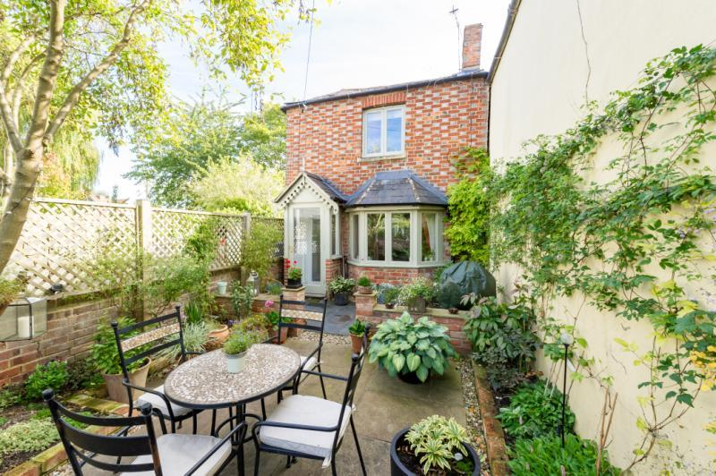 2 Bedrooms House for sale in Lane Cottage, Church Lane, Marston, Oxford, Oxfordshire