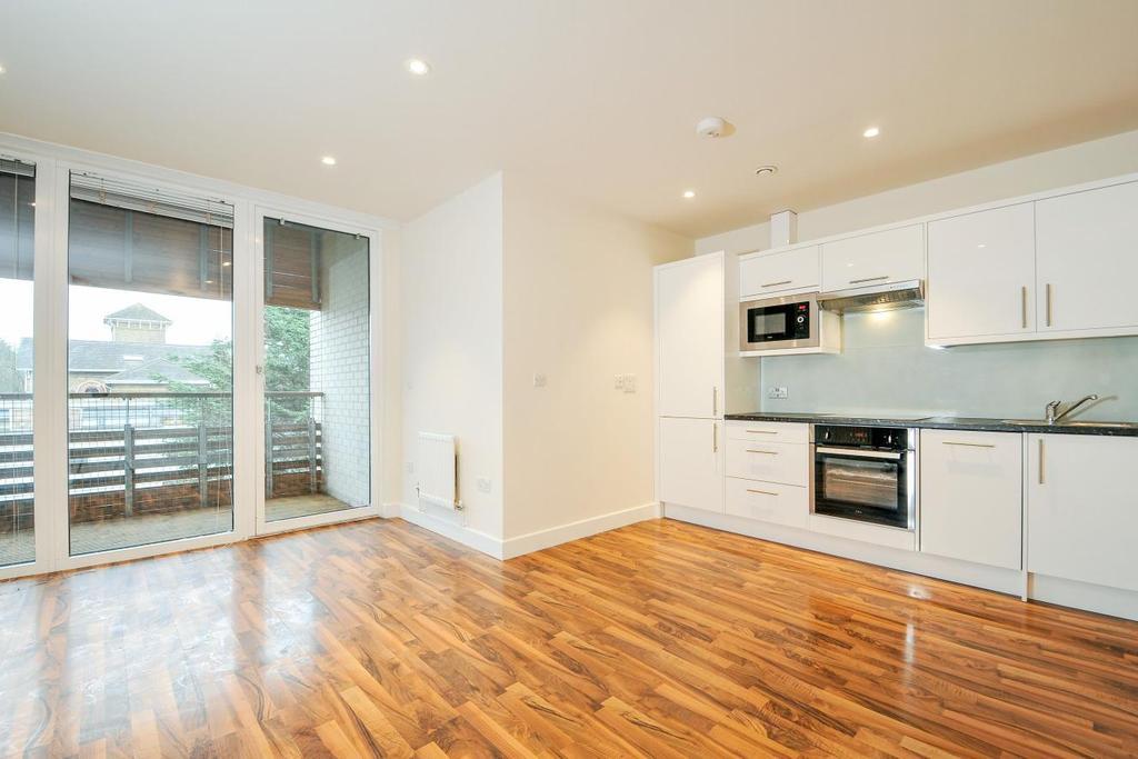 2 Bedrooms Flat for sale in Hillside, Harlesden, NW10