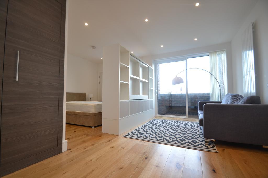 Flat for sale in Molesworth Street Lewisham SE13